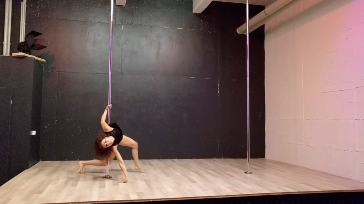 pole-dance-performance